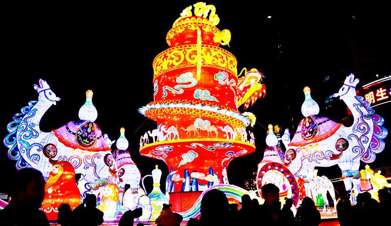 自贡灯会的独特性与发展趋势