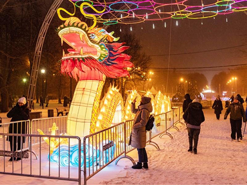 中国彩灯节在莫斯科开幕 自贡4500件彩灯作品参展