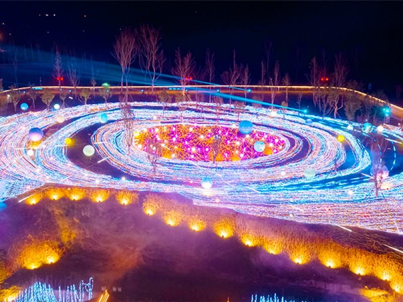 第27届自贡国际恐龙灯会于9月16日恢复亮灯